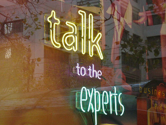 """talk to the experts"", cc-by-licenced image by Mai Le. Source: https://www.flickr.com/photos/maile/1745480"