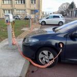 Nuclear-powered cars at CEA.