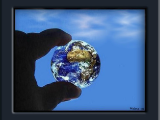 """""""Grab the world"""" by TheCleopatra is licensed under CC BY-NC-ND 2.0"""